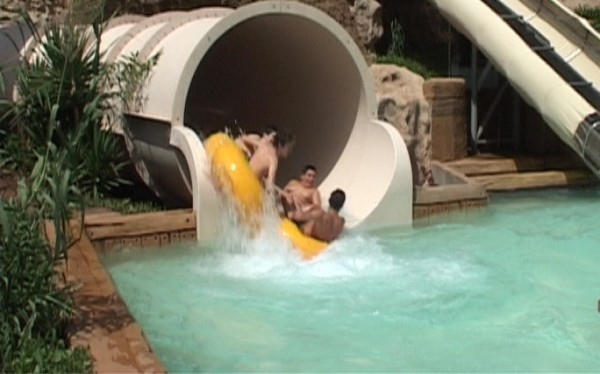 Siam Park in-splash-pool-2