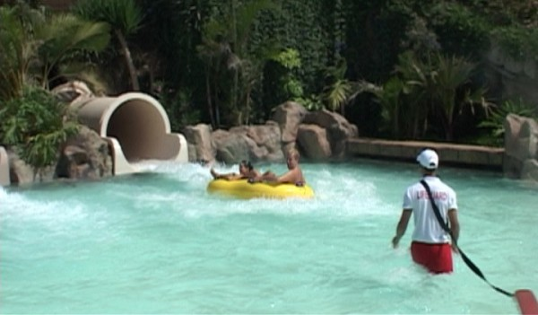 Siam Park in-splash-pool